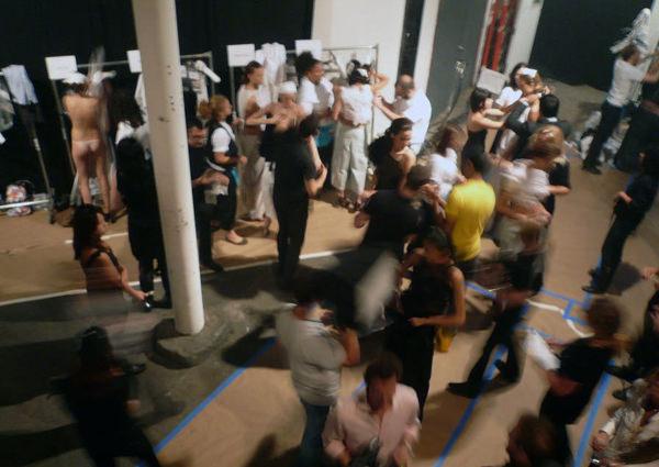 海外ファッションショーの舞台裏 11
