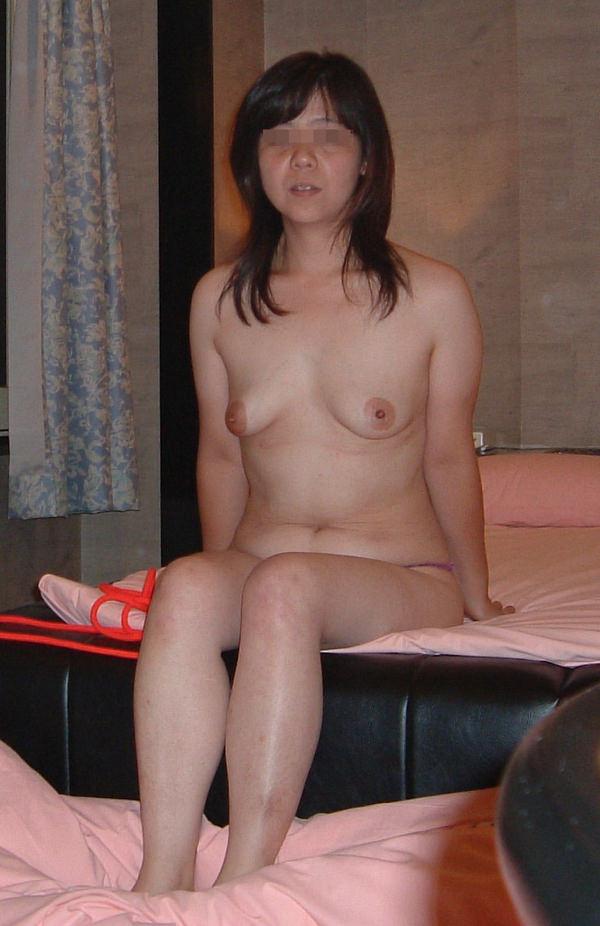 熟女の貧乳垂れ乳 3