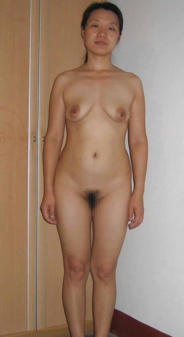 熟女の貧乳垂れ乳 10