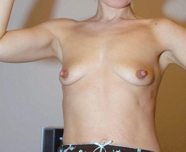 熟女の貧乳垂れ乳 14