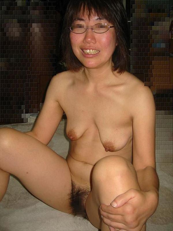 熟女の貧乳垂れ乳 15
