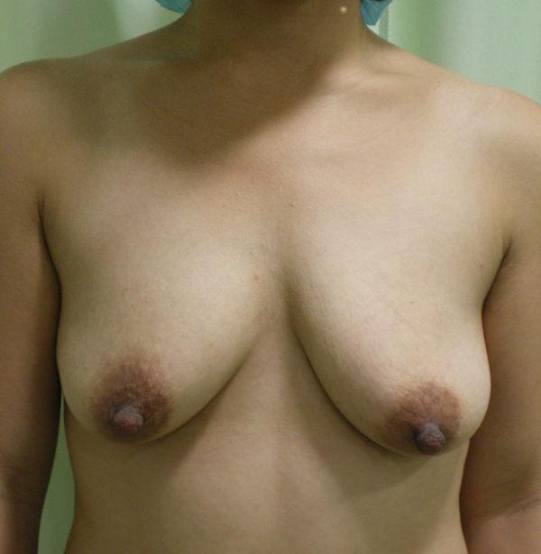 熟女の貧乳垂れ乳 25