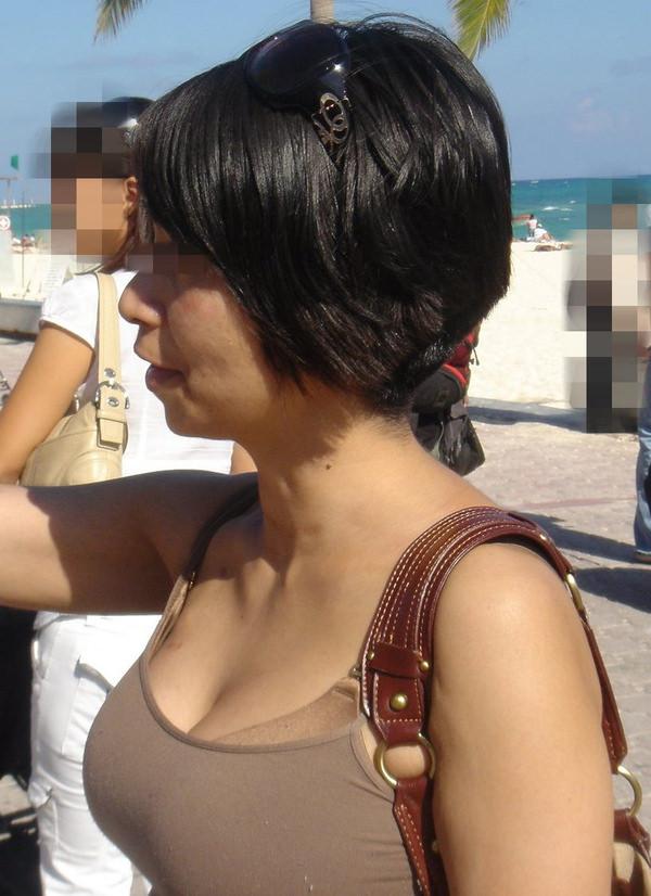 熟女の着衣巨乳 3