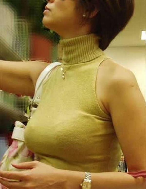 熟女の着衣巨乳 13