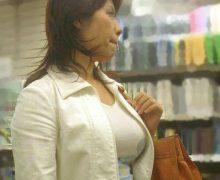 街撮り熟女!おばさんのむっちりした着衣巨乳はいかが?