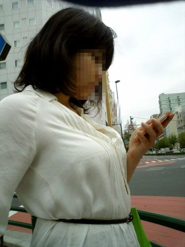素人OLの着衣巨乳 7