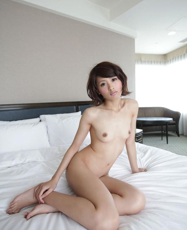 女座り・横座りの全裸 5