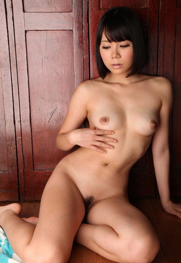 女座り・横座りの全裸 7