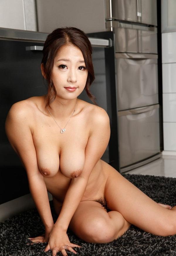 女座り・横座りの全裸 9