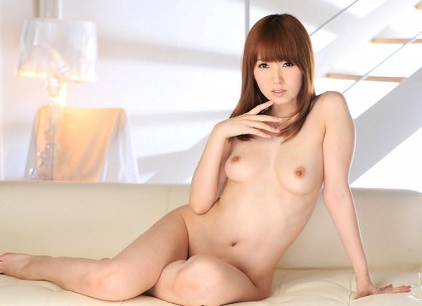 女座り・横座りの全裸 14