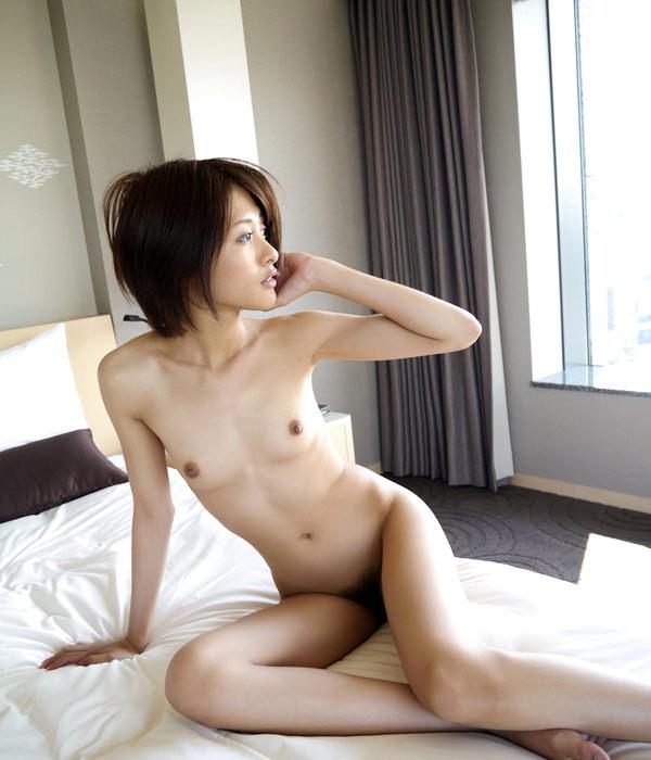 女座り・横座りの全裸 20