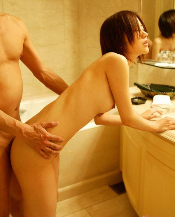お風呂場で立ちバック 20
