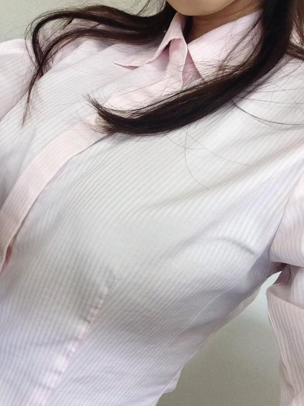 素人の着衣巨乳自撮り 14