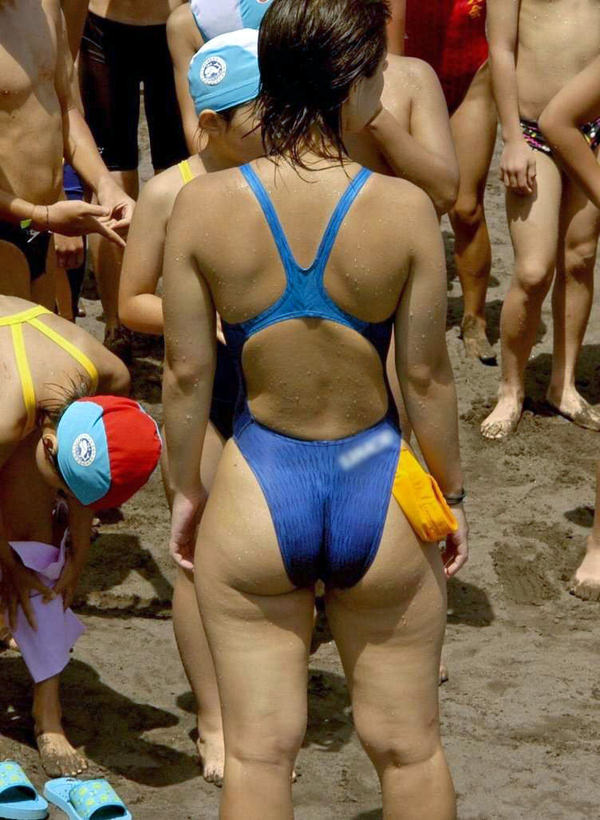 競泳水着姿の素人のお尻 7