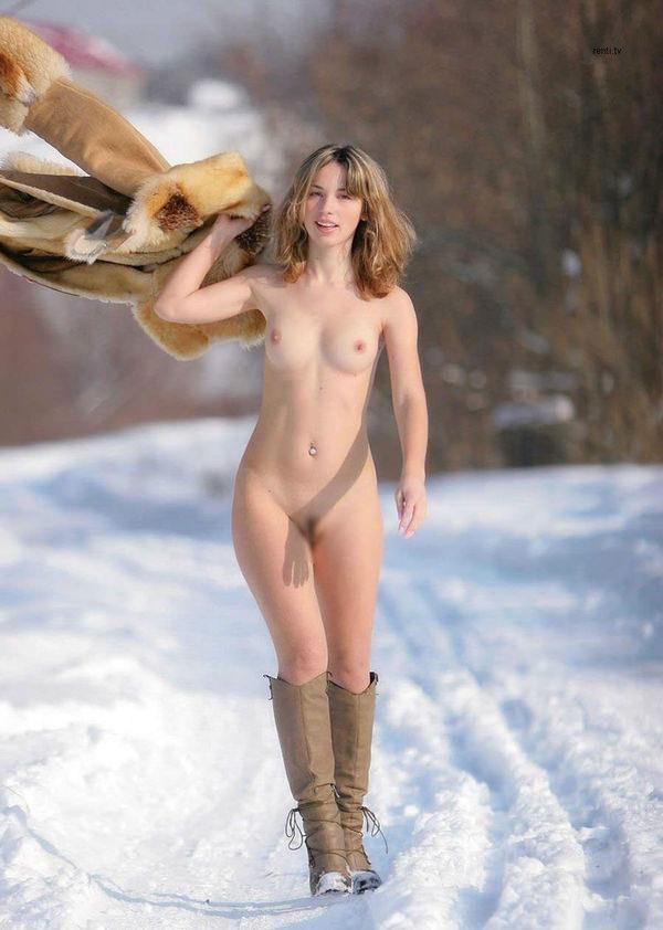 外国人美少女の野外ヌード 13