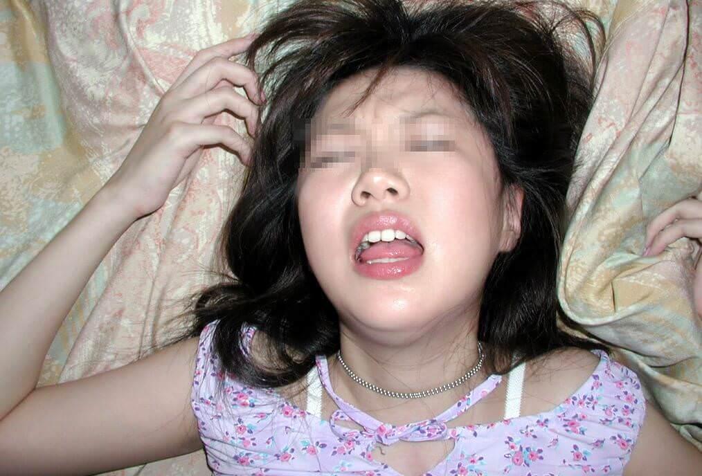 本気で喘いでる素人娘のイキ顔画像34枚