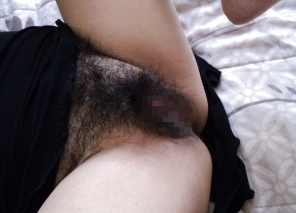 素人の剛毛マン毛 34