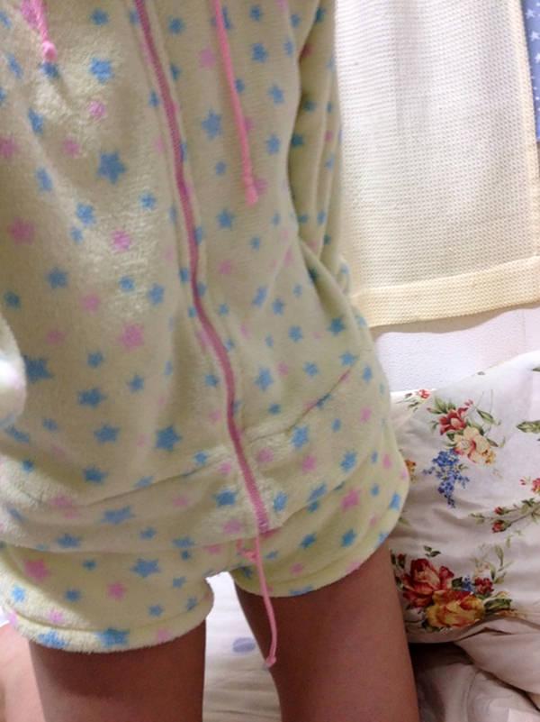 素人のパジャマ姿の自撮り 11