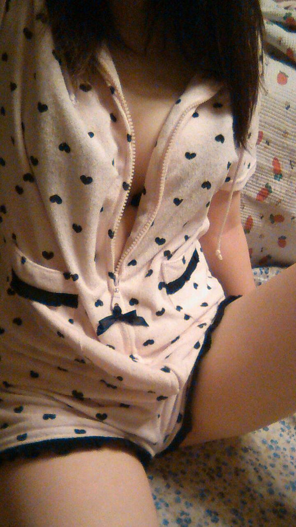 素人のパジャマ姿の自撮り 21