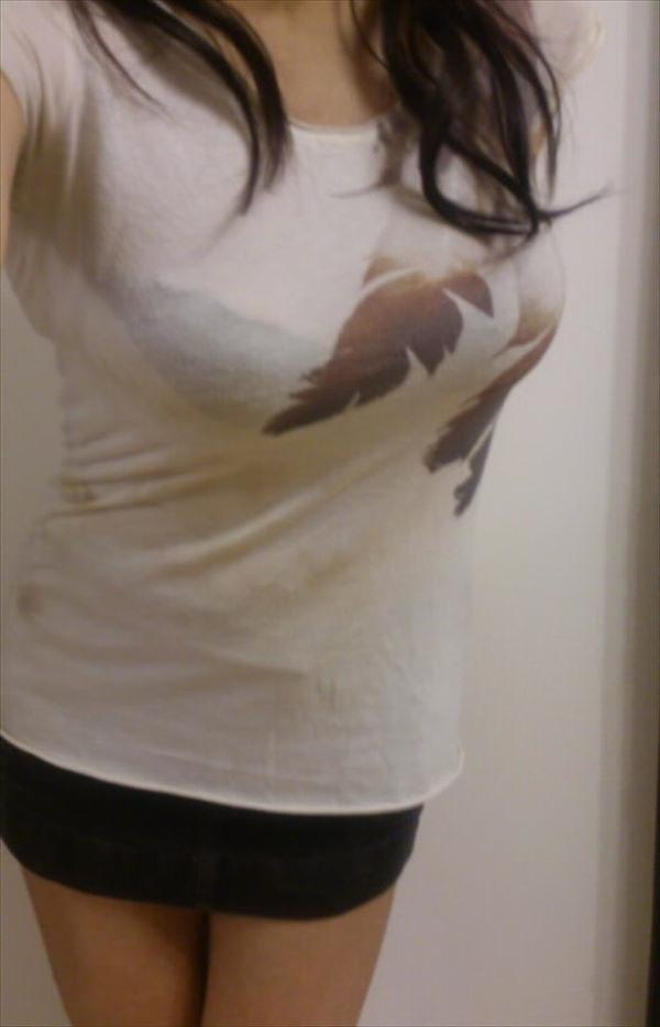 透けブラしてる素人の着衣巨乳 12