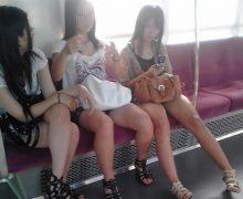 電車内でエロいオーラをプンプンに放ってた素人太もも画像34枚