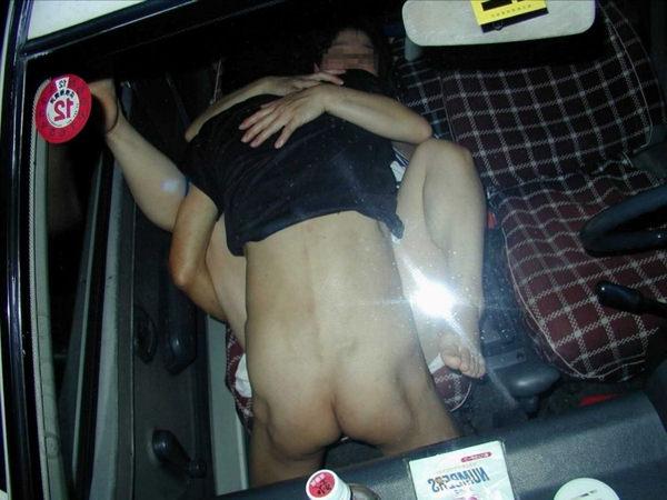 カーセックスを盗撮された素人カップル 5