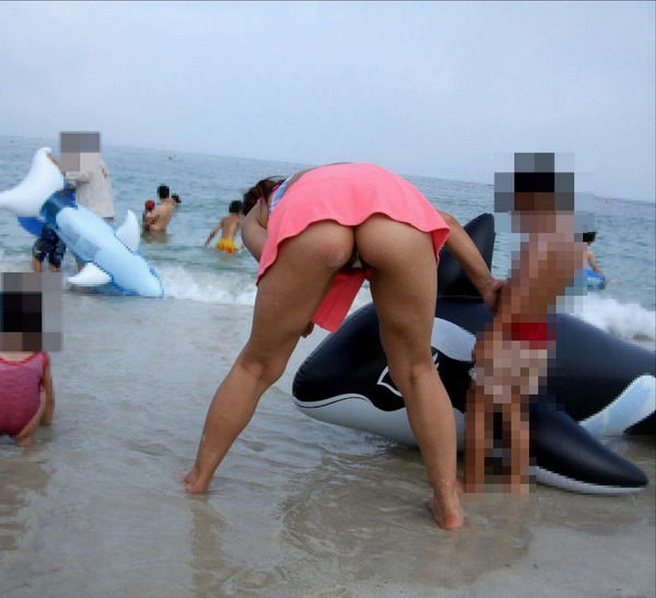 水着の子連れ素人ママさん 4