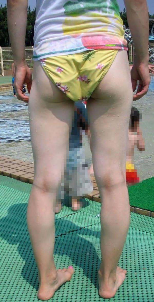 水着の子連れ素人ママさん 12