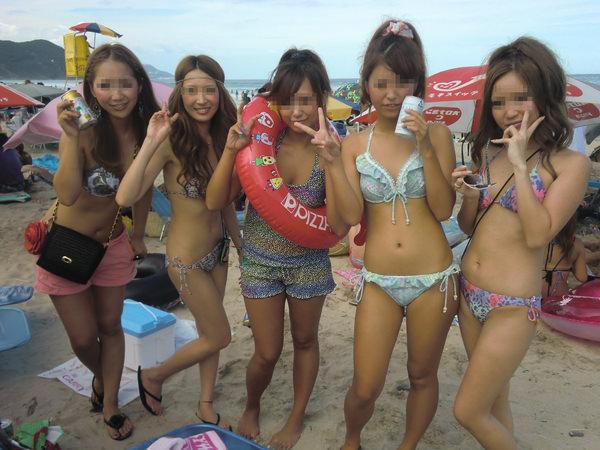 ビーチ撮りの水着素人の集合写真 13