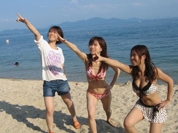 ビーチ撮りの水着素人の集合写真 16