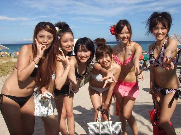 ビーチ撮りの水着素人の集合写真 17