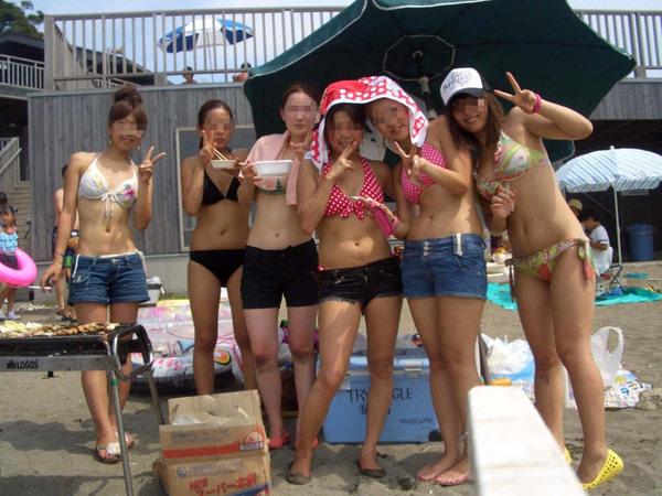 ビーチ撮りの水着素人の集合写真 22