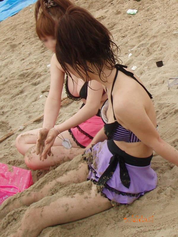 水着や体が砂まみれの素人 4