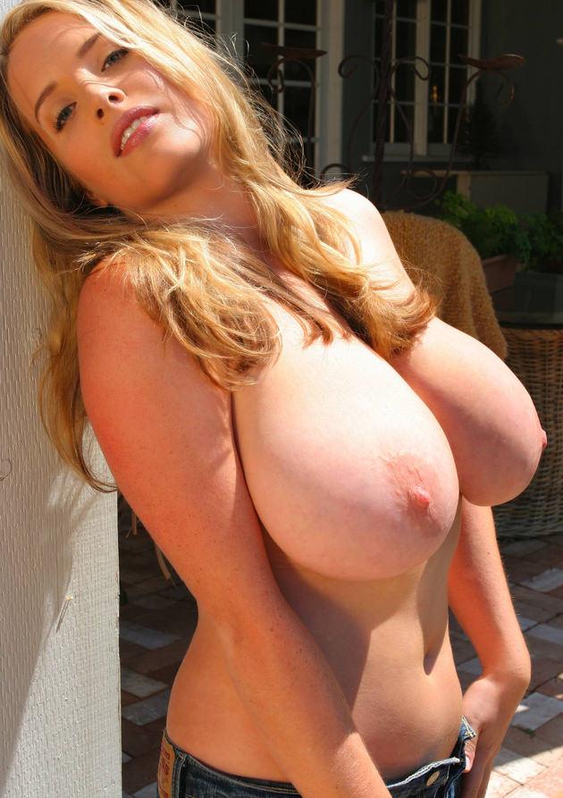 超爆乳の外国人女性 4