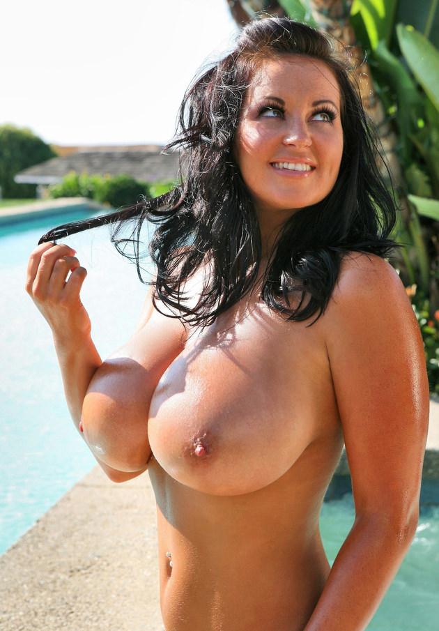 超爆乳の外国人女性 26