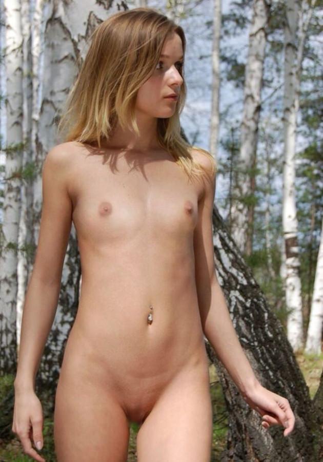 外国人美少女の全裸 23