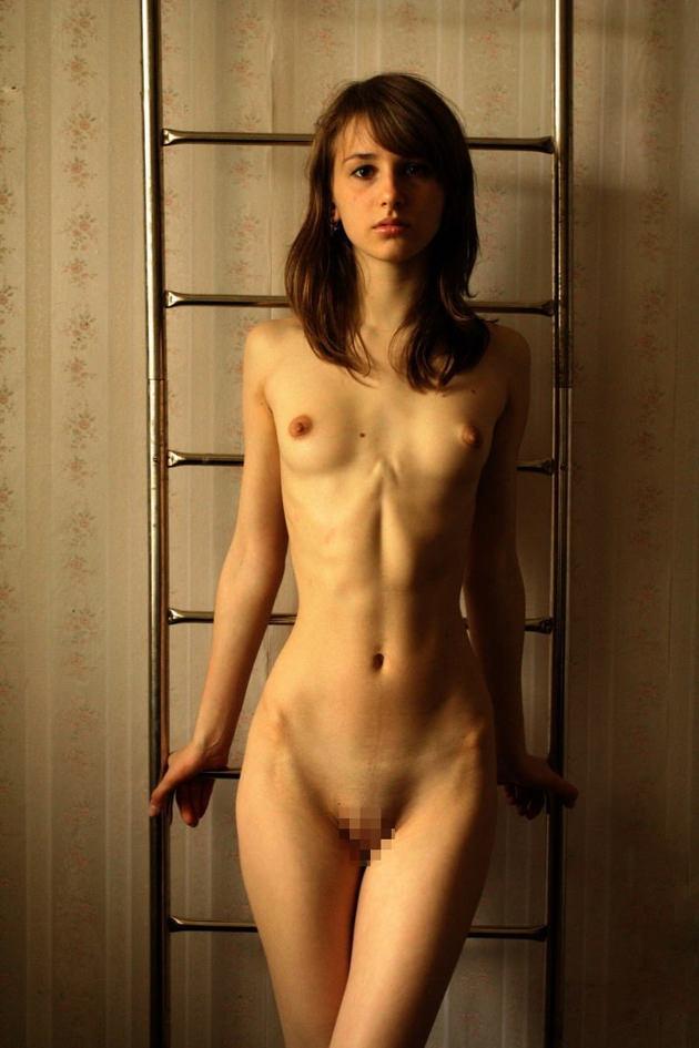 外国人美少女の全裸 36