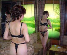 黒下着を身に付けラブホにやって来たやる気満々の熟女ババアwwww