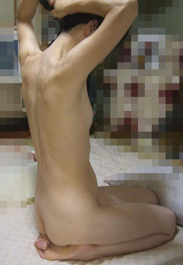 素人の家庭内全裸 2