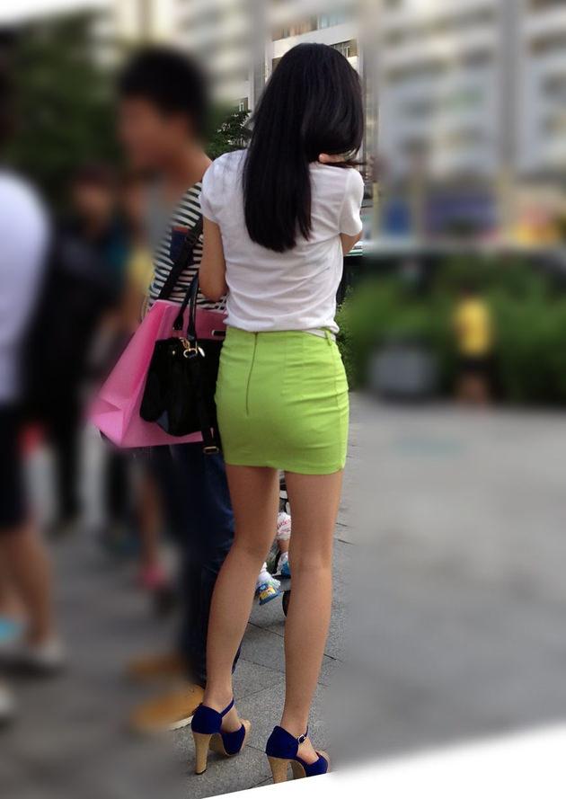 街撮りの素人美脚 6