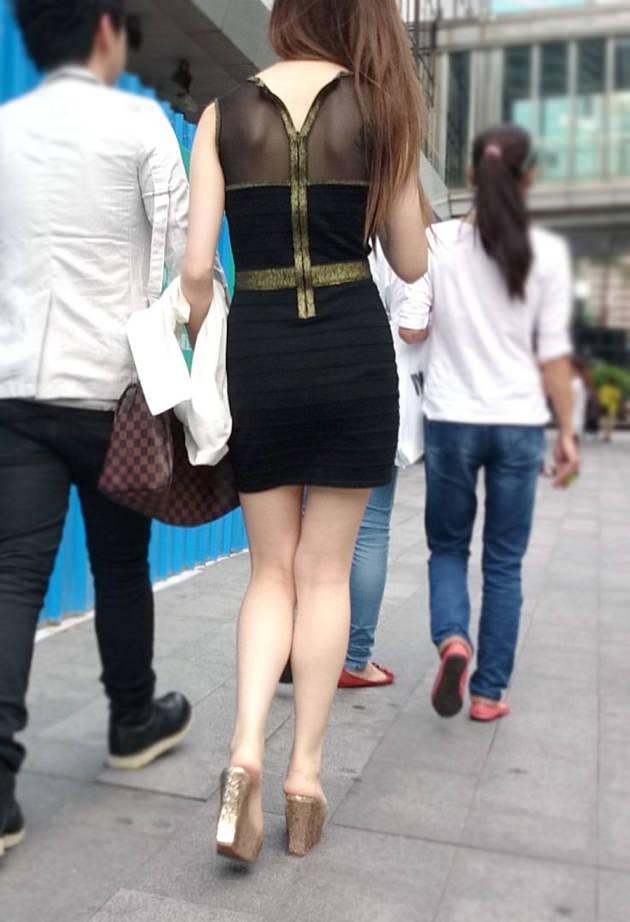 街撮りの素人美脚 34