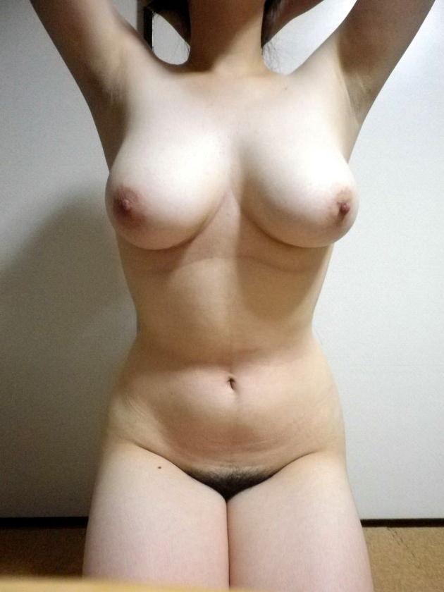 素人が全裸で正座 2