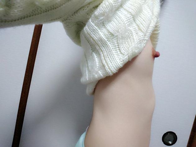 素人の横乳自撮り 11