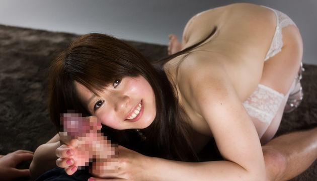 かわいい子が笑顔で手コキ 5