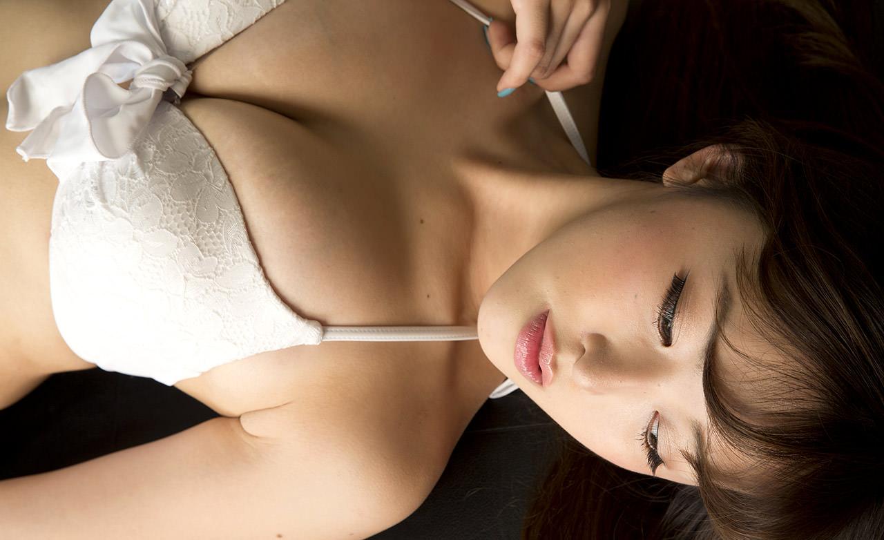 【女子大生・忍野さらの乳房が今一番抜ける】(水着・巨乳・垂れ乳)エロ画像40枚!