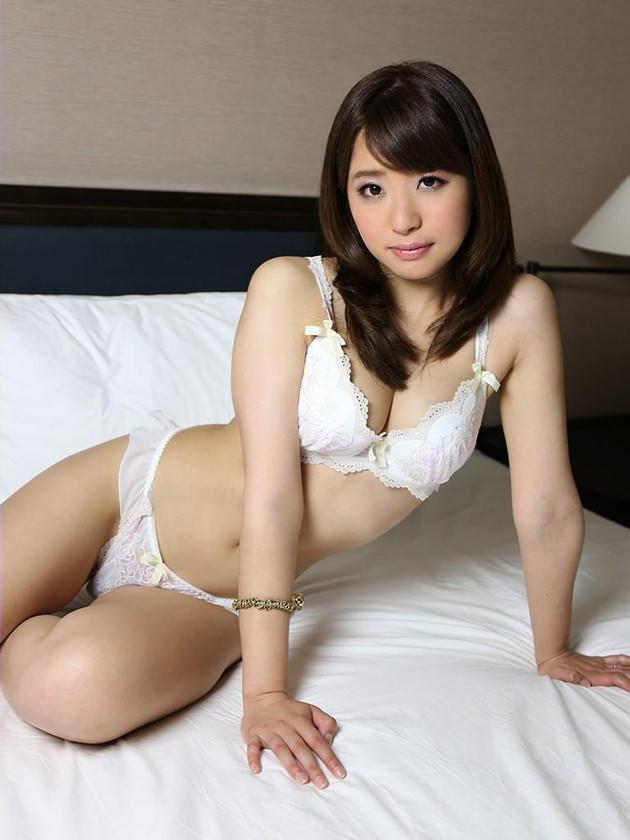 清純な美少女の白下着姿 27