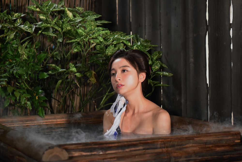 """篠田麻里子が水戸黄門でポスト由美かおる くノ一 """"お色気担当"""" 入浴シーンも"""