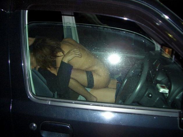 素人女子が全裸でカーセックス 20