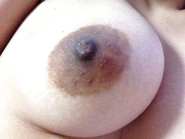 素人の黒乳首 5