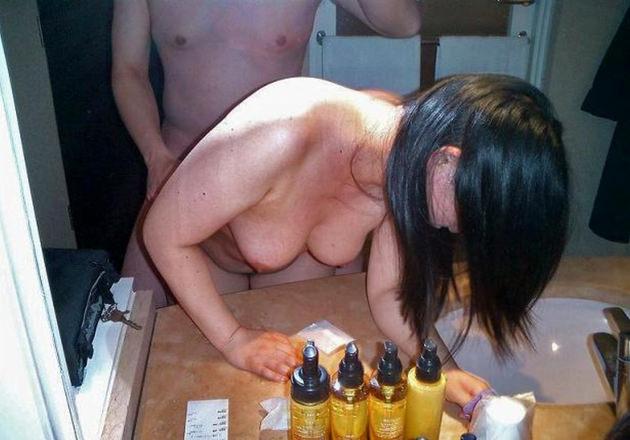 熟女が鏡の前でセックス 7